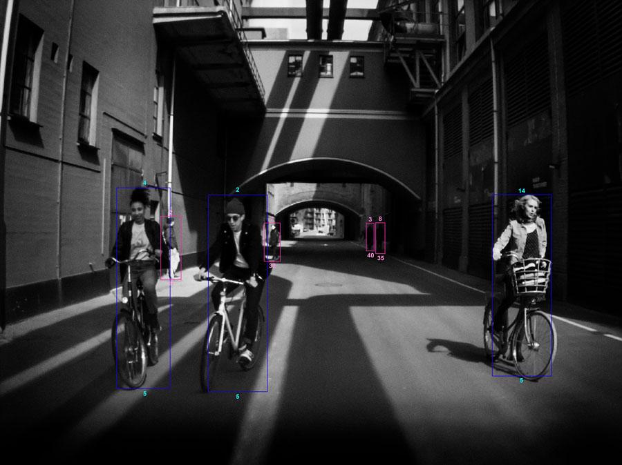 Volvo và chiến dịch Pr thương hiệu: Nhìn thấy cả thế giới bằng Camera ô tô