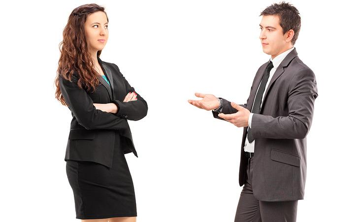 Đối phó với khách hàng kiêu ngạo, ngó lơ người bán hàng