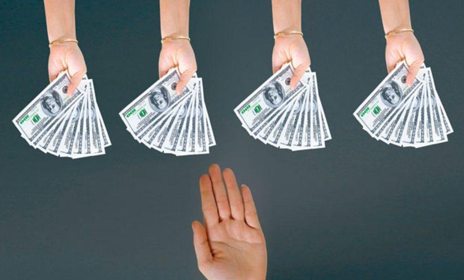 Đừng lấy tiền của mình kinh doanh, cũng đừng mượn tiền người khác kinh doanh