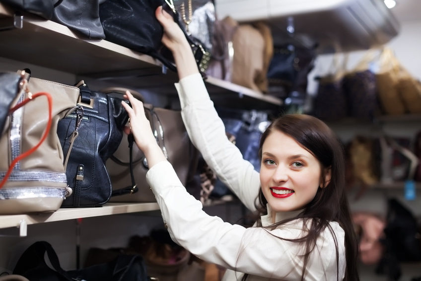 Tại sao phụ nữ cuồng mua sắm, nhưng đàn ông thì không