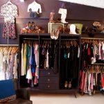 Cách trang trí shop quần áo
