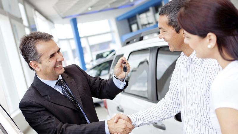 Bán được 13.001 chiếc xe Ô tô, xem cách thương nhân này đã làm thế nào bán nhiều xe tới mức Kỷ lục Guinness xướng tên
