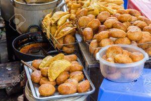 Các món ăn vặt dễ bán, bán đồ ăn vặt gì lãi cao?