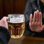 Cách từ chối lời mời đi nhậu bia rượu