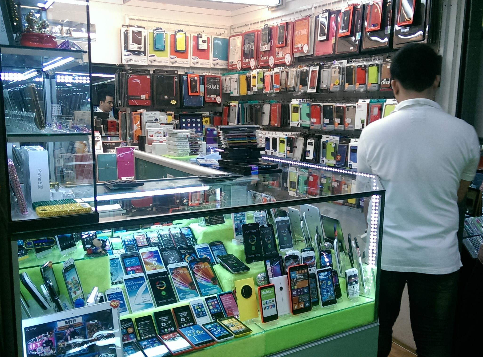 Những khó khăn khi mở cửa hàng điện thoại và cách khắc phục