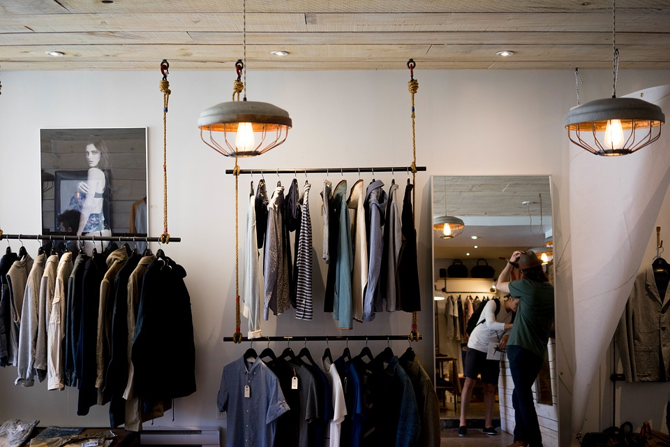 Cách Setup cửa hàng quần áo-Cách treo quần áo trong Shop