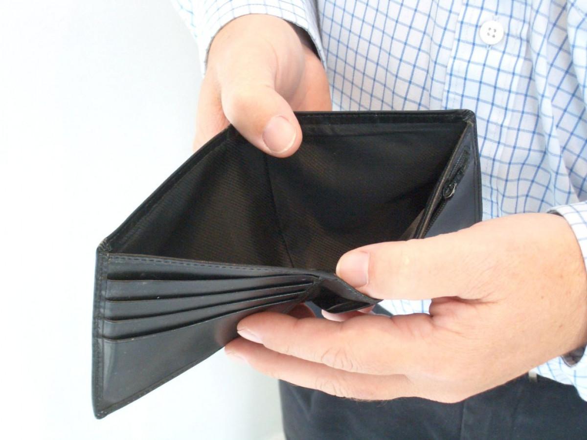 Khi gặp khó khăn về tài chính thì nên làm gì