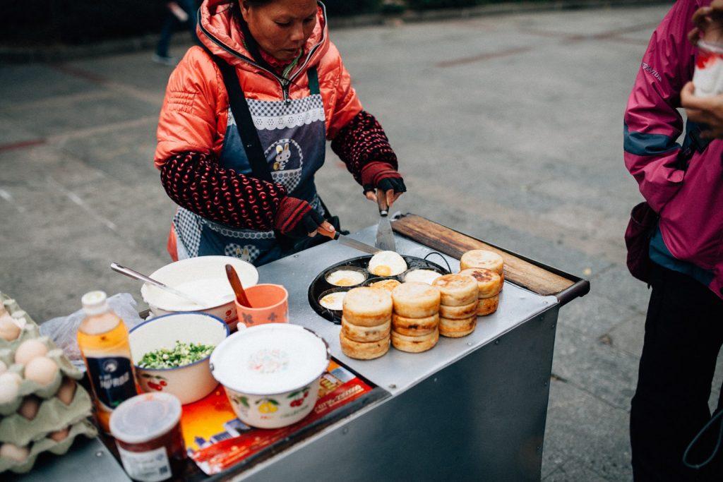 Kinh doanh đồ ăn vặt-những món ăn vặt đắt khách