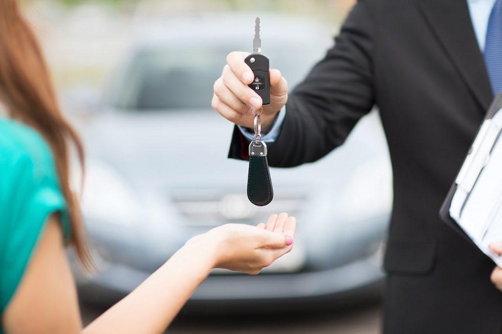 Cách kiếm tiền từ Xe ô tô nhàn rỗi-Có xe ô tô nên kinh doanh gì?