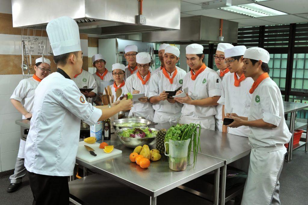 Kỹ năng và cách quản lý bếp nhà hàng hiệu quả