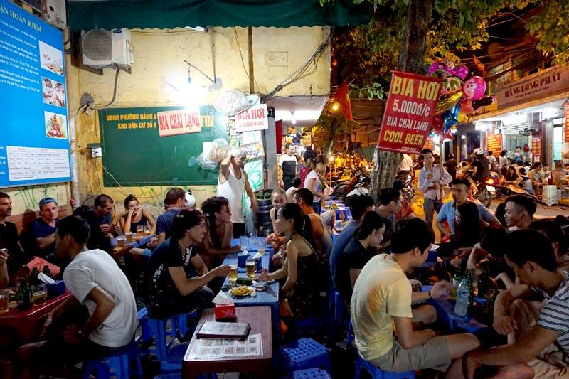 Kế hoạch kinh doanh quán ăn nhỏ-Mở quán ăn nhỏ Đông khách