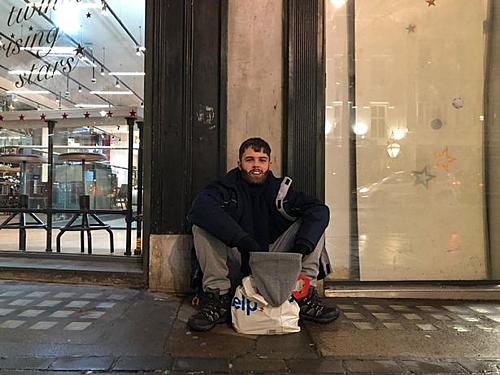 Trong 1 ngày, Cái kết đắng của doanh nhân trẻ khi chê người vô gia cư