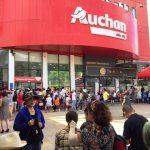 Còn hơn 10 ngày ở lại Việt Nam, Auchan thanh lý toàn bộ sản phẩm của mình