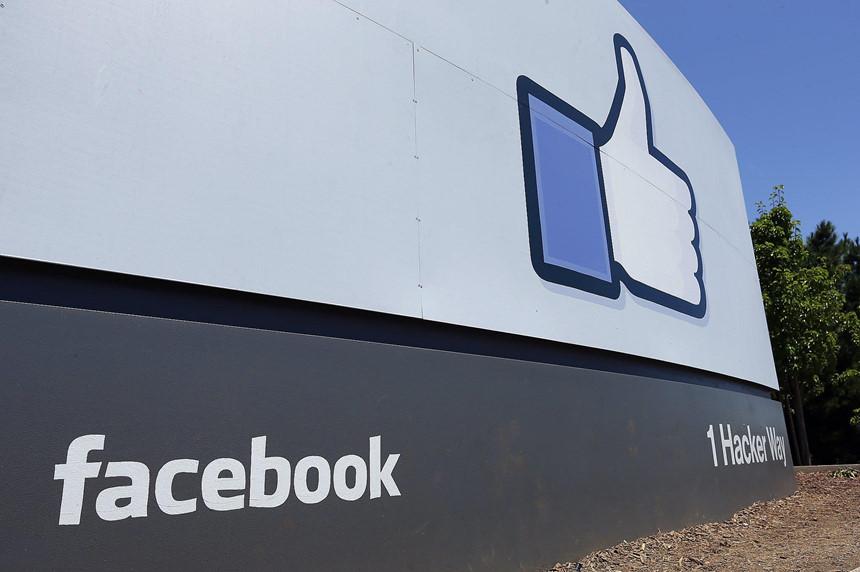 Facebook thành công nhờ Sinh viên, đối diện nguy cơ thất bại cũng bởi Sinh viên?