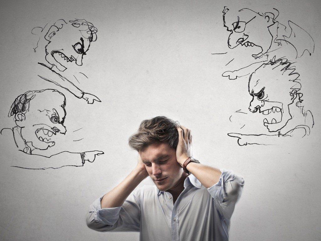 Lời nói của người khác không quyết định thành công của bạn. Người trẻ muốn thành công cần học cách bỏ ngoài tai những đánh giá về mình