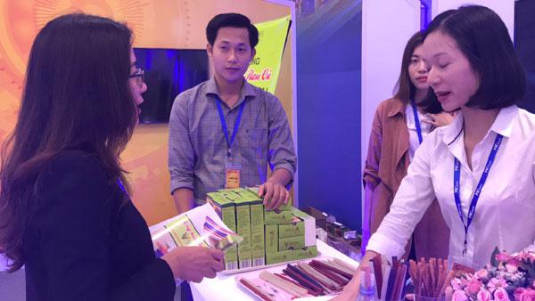 Nhạy bén với thị trường và tình yêu với môi trường, startup trẻ cho ra đời sản phẩm Ống hút từ rau củ cùng tham vọng vươn ra thế giới.