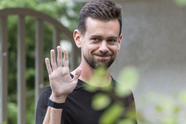 Bí quyết thành công của tỷ phú – CEO của mạng xã hội Twitter, đi bộ 8km mỗi ngày
