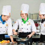 Nghề đầu bếp có tương lai không ( có nên học không?)