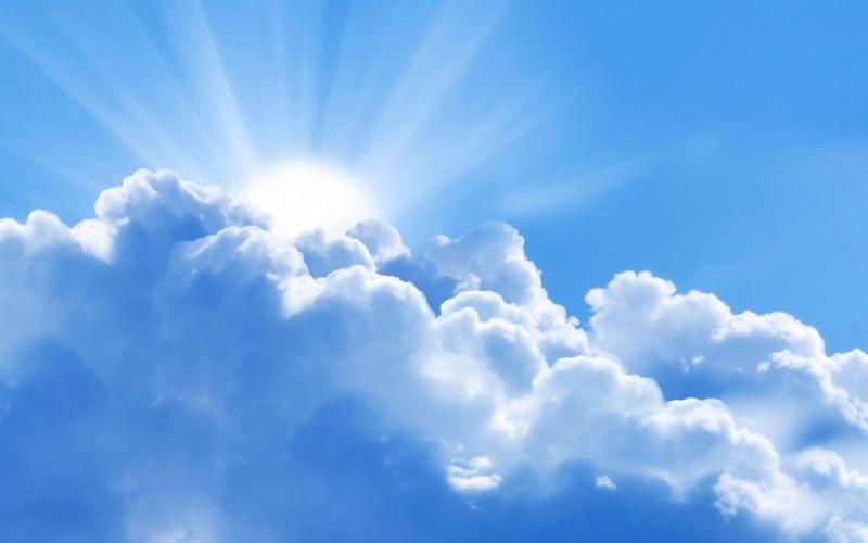 Tại sao có mây trắng lẫn mây đen trên bầu trời