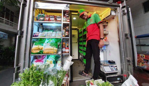Chọn toàn vị trí đắc lợi, bán đủ rau, thịt cá, hải sản, Kiếm tiền bằng cách cho hết lên xe chỉ cần 2 nhân viên