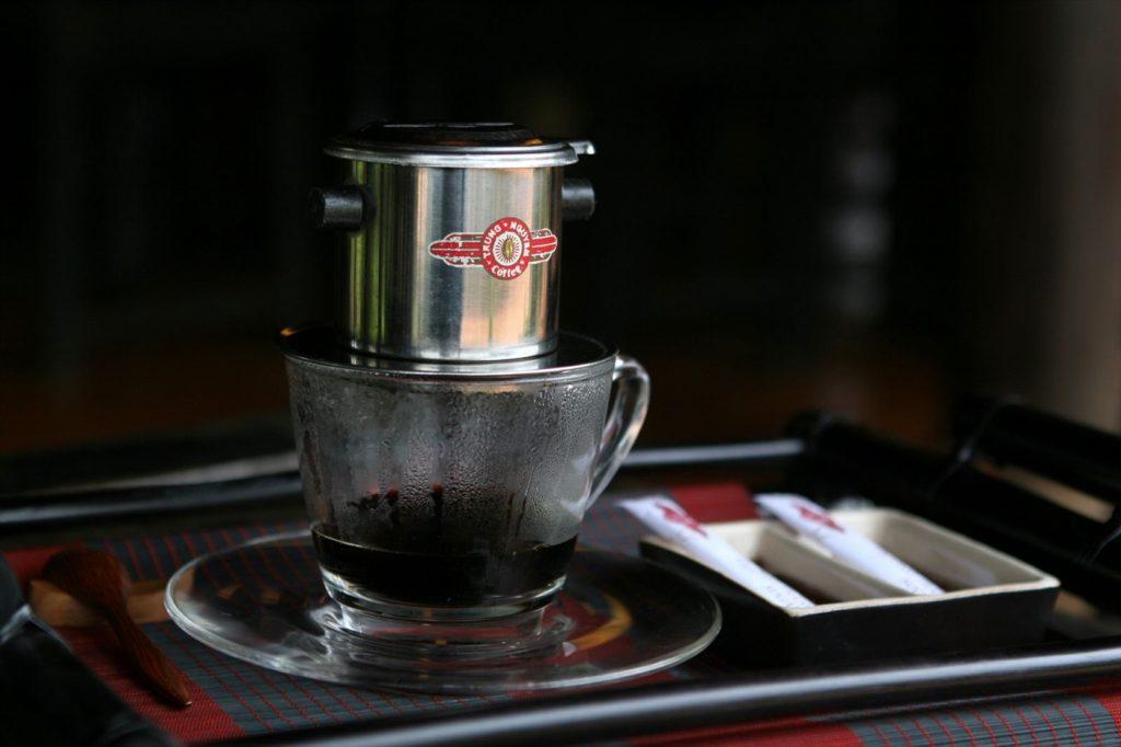 Mở quán Cafe hay cửa hàng trà sữa là xu hướng trong tương lai?