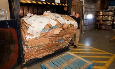 Trong tay chỉ có 80 triệu, và những thùng giấy Carton mà kiếm được 4.6 tỷ Đô