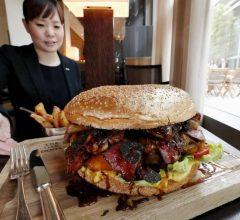 Ý tưởng xu hướng kiếm tiền: Đồ ăn siêu to, đồ ăn khổng lồ trở thành cách kiếm màu mỡ