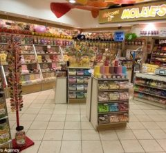 Bán những loại Kẹo truyền thống (chỉ bán kẹo Truyền thống), Cô bé 6 tuổi mở chuỗi 3 cửa hàng