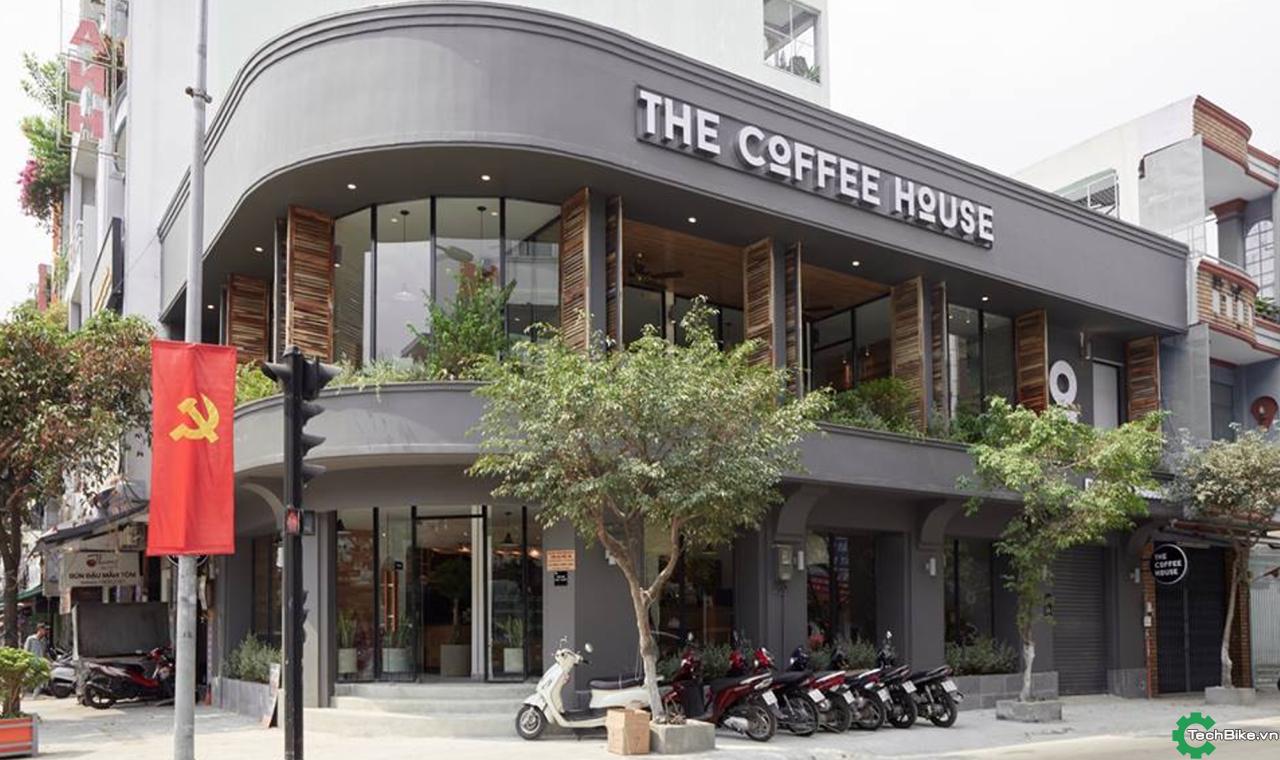 """Cách kiếm tiền """"một mình một kiểu"""" khôn ngoan của chuỗi Cafe đứng thứ 2 Việt Nam"""