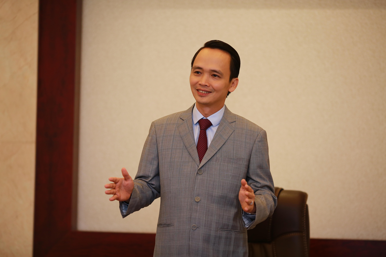 Ông ấy là người giàu thứ 9 ở Việt Nam ( đang kiếm tiền trong những lĩnh vực nào)