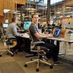 Học cách kiếm tiền: Bàn làm việc của các tỷ phú đứng đầu thế giới như thế nào