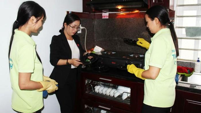 Kinh nghiệm kinh doanh dịch vụ dọn dẹp nhà cửa, giúp việc