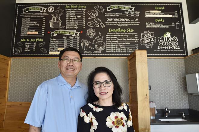 Kế hoạch bán gà rán của 2 vợ chồng thành công