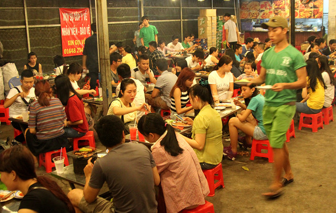 Cách kinh doanh kiếm tiền quán xiên nướng, 1000 khách hàng trong 1 buổi tối