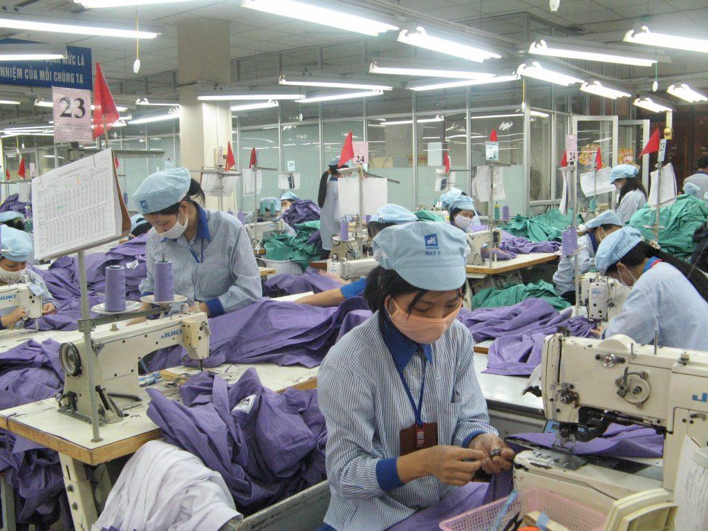 Mô hình kinh doanh may đồng phục thành công của công ty Dệt