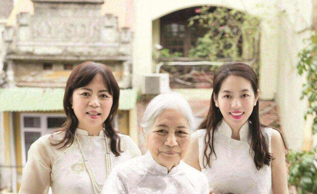 Nhân vật: Cô gái sinh ra để làm nghề thêu nức tiếng Thủ đô Hà Nội