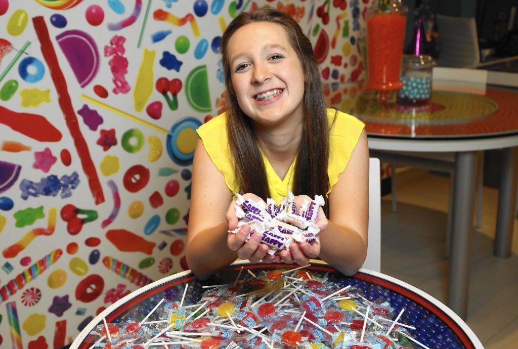 Ý tưởng bán kẹo của cô bé 13 tuổi trở thành triệu phú
