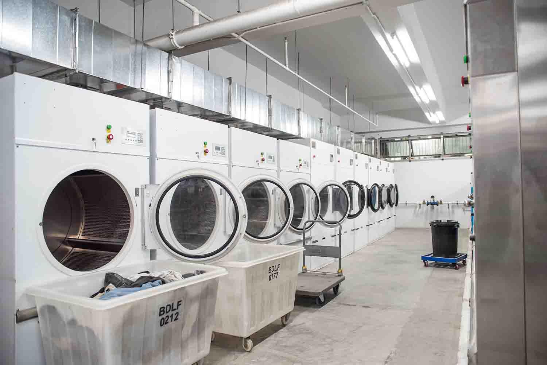 Ý tưởng giặt hộ quần áo thu 20 triệu mỗi tháng