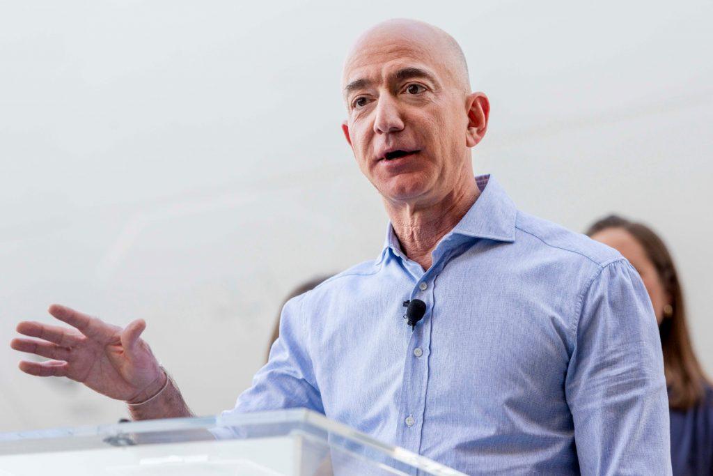 10 Ý tưởng hiểu rõ về cuộc sống giàu có của 1 tỷ phú Bezos