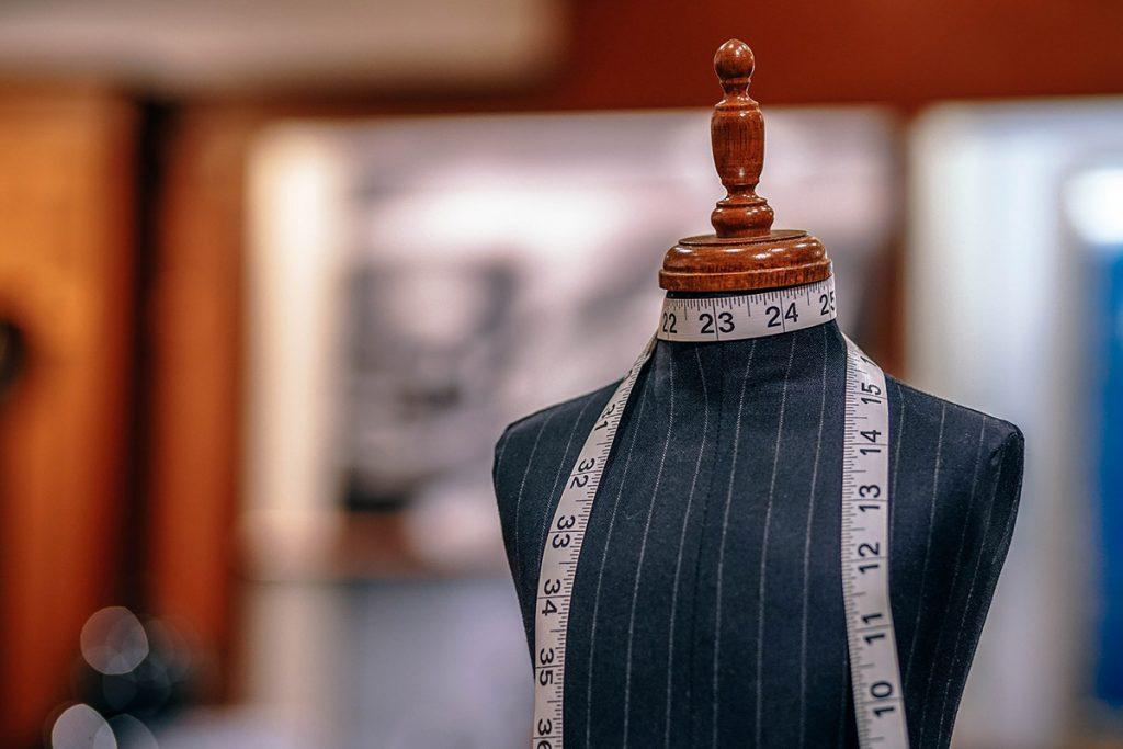 Cách bóp eo vòng 2 áo dài tại nhà (Cách sửa quần áo rộng nhanh đẹp)