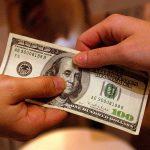 Nằm mơ thấy chồng cho tiền trong giấc mơ báo hiệu điềm báo là gì (mơ thấy được cho tiền)