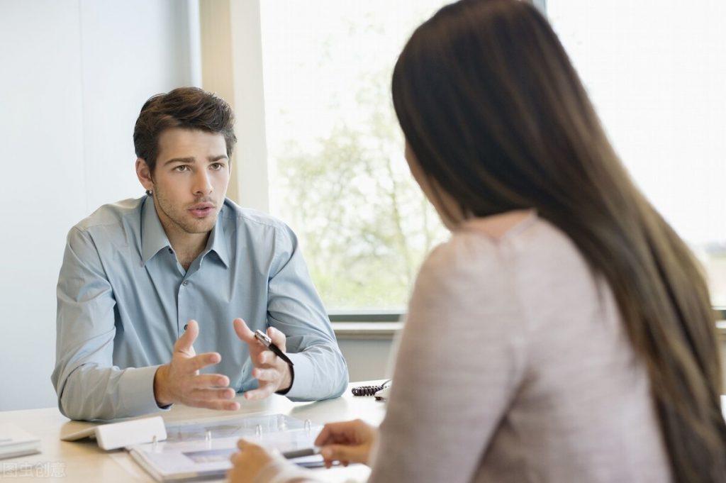 Lấy ví dụ về Giao tiếp Công vụ và liên hệ trong trường hợp thực tế