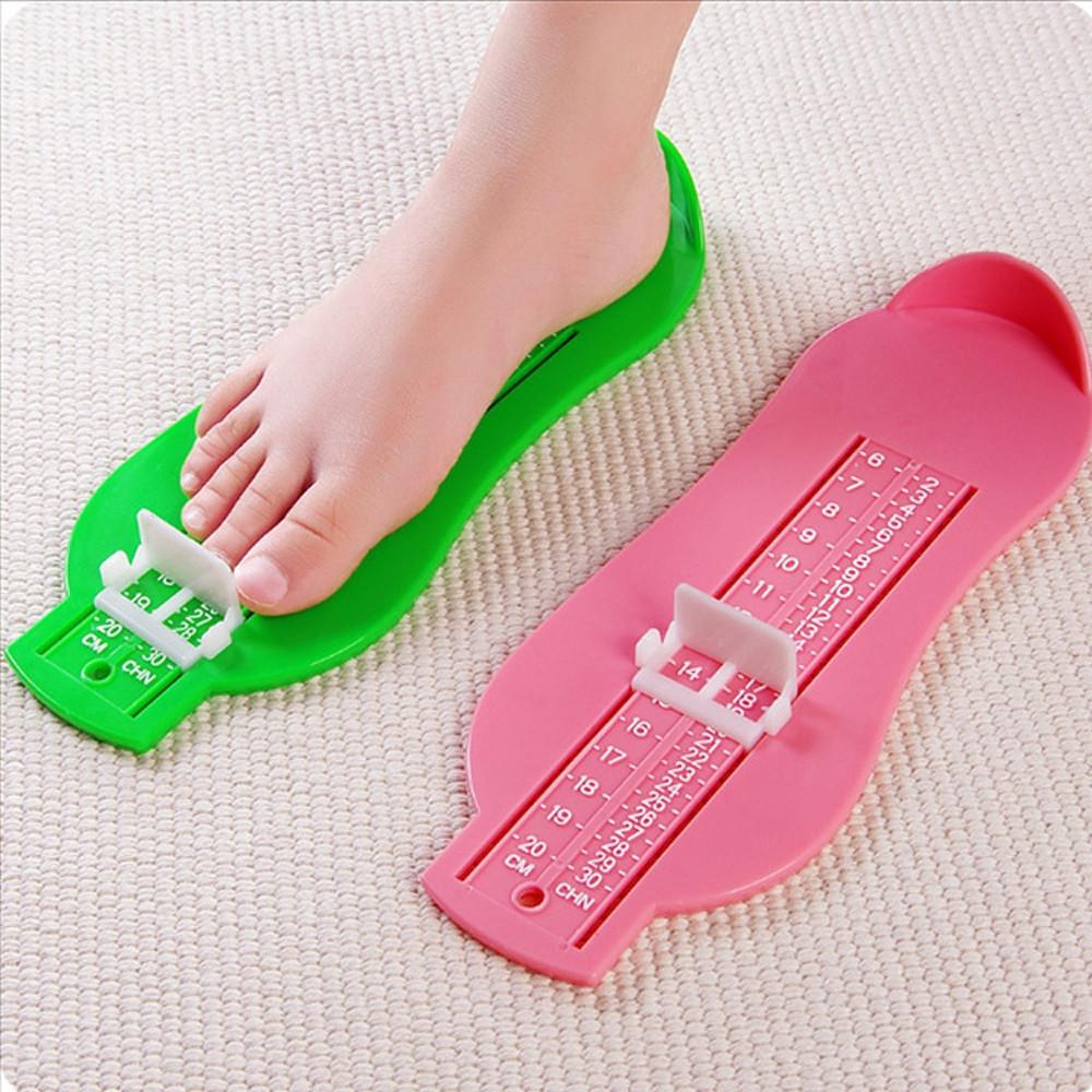 Hỏi lời khuyên có nên mang giày to (lớn) hơn 1 Size so với chân không