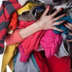 Nên vứt bỏ quần áo cũ ở đâu thì được