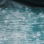 Điềm báo gì khi mơ thấy nước mưa tràn vào nhà