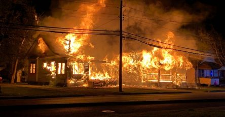 Nằm mơ thấy người bị chết cháy có làm sao không