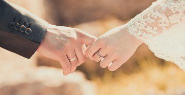 Những Status (Quotes) câu nói hay về Sự rạn nứt tình cảm vợ chồng