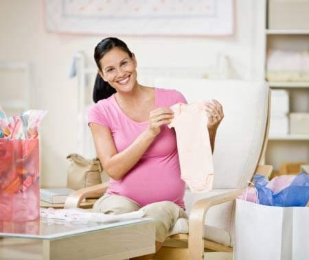 Các mẹ bỉm sữa chia sẻ kinh nghiệm có nên cho đồ cũ của con hay không