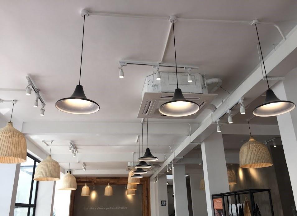 Có nên đi dây điện dưới nền nhà hay không (lợi và hại của việc đi dây điện dưới nền nhà)